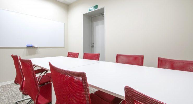 全国約40拠点の会議室が利用できます