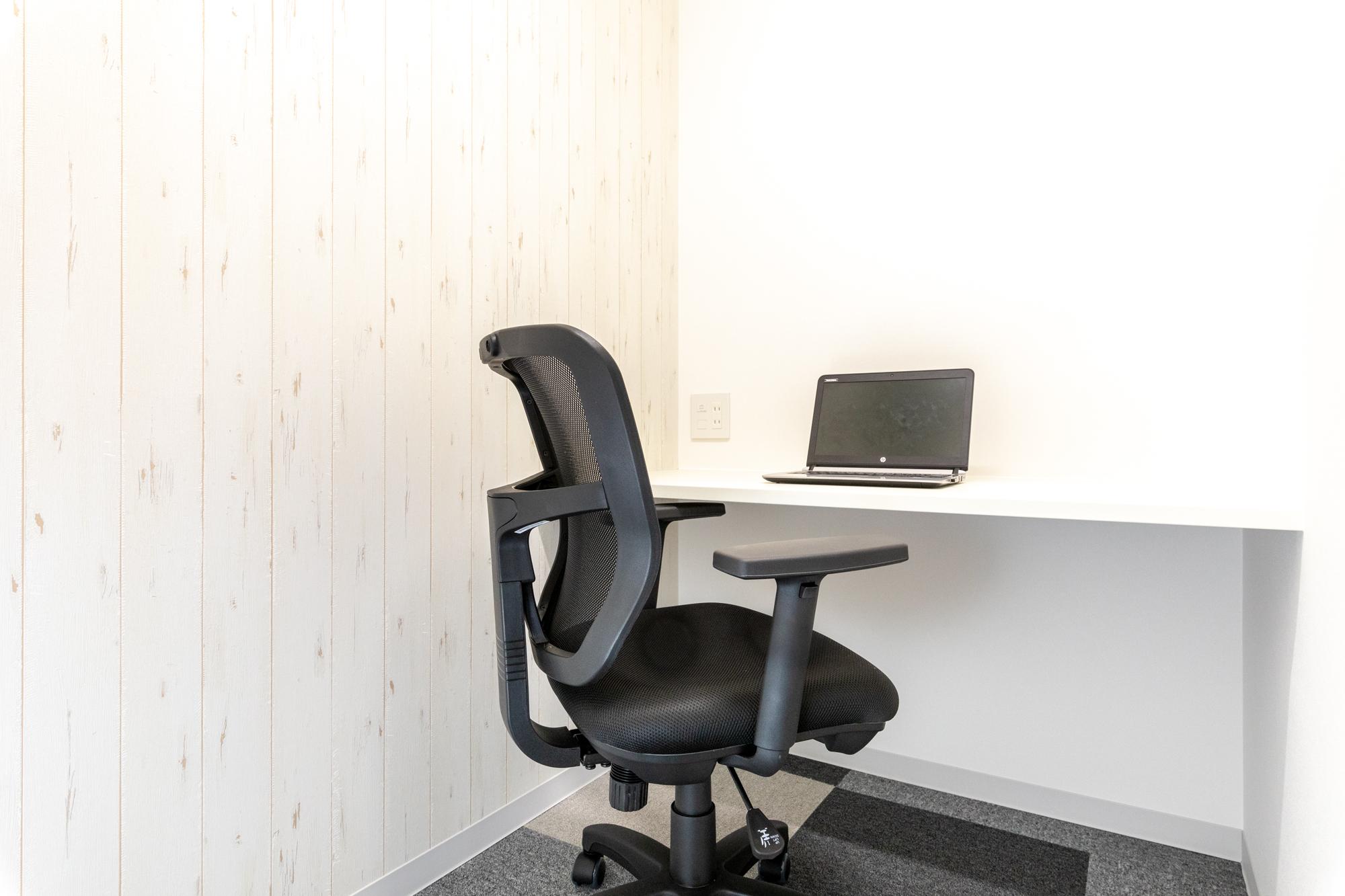 """""""士業""""などの許認可にも対応した鍵付き個室オフィスが月額2万円台~"""