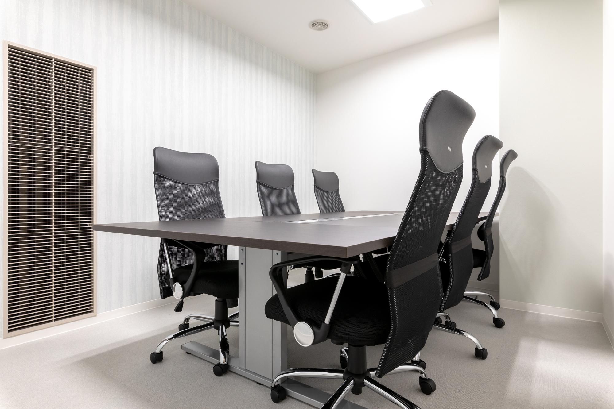 全国60拠点以上の会議室も使えるレンタルオフィス