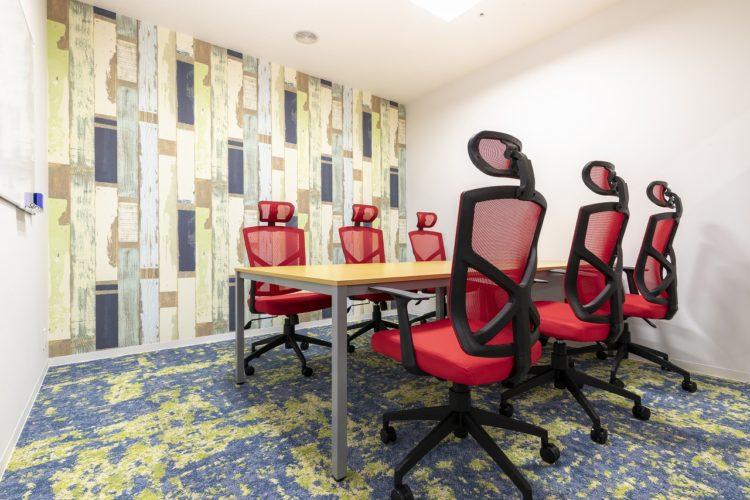 会議室(6名用)