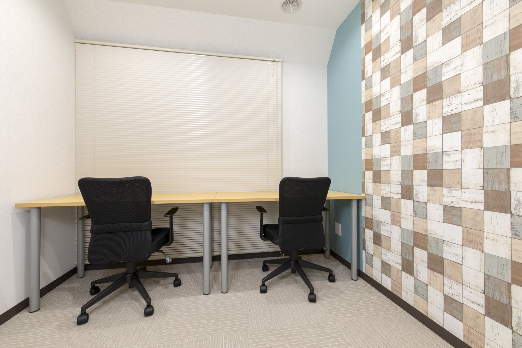 プライベートが守られた完全個室のレンタルオフィス