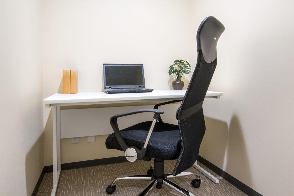 鍵付き個室型のオフィス