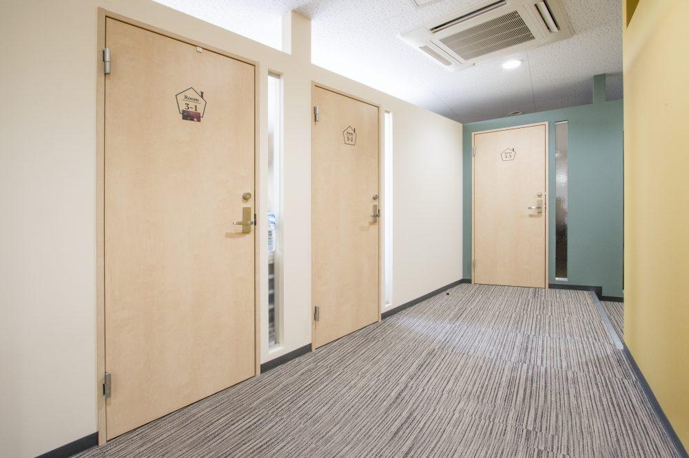そのほか共用施設(男女別トイレ・応接スペース)
