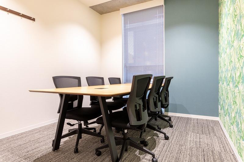 会議室とレセプションブース完備