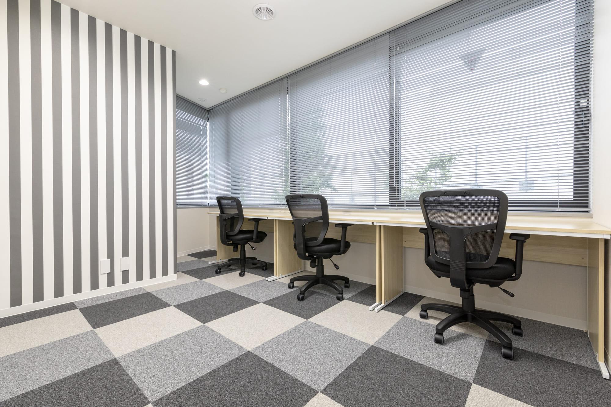 2・3名用のレンタルオフィス