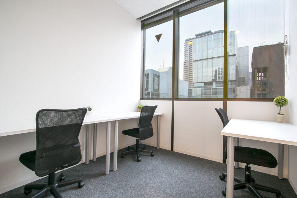 シンプルで使い勝手の良いレンタルオフィス
