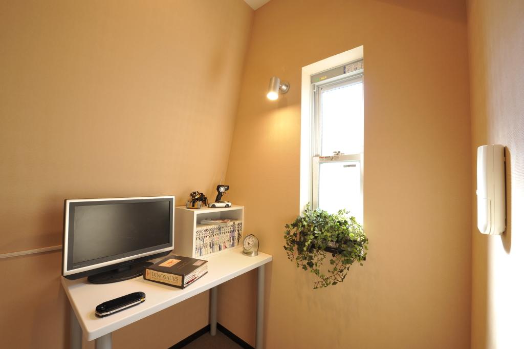 オフィス内は全室完全個室の窓付き!