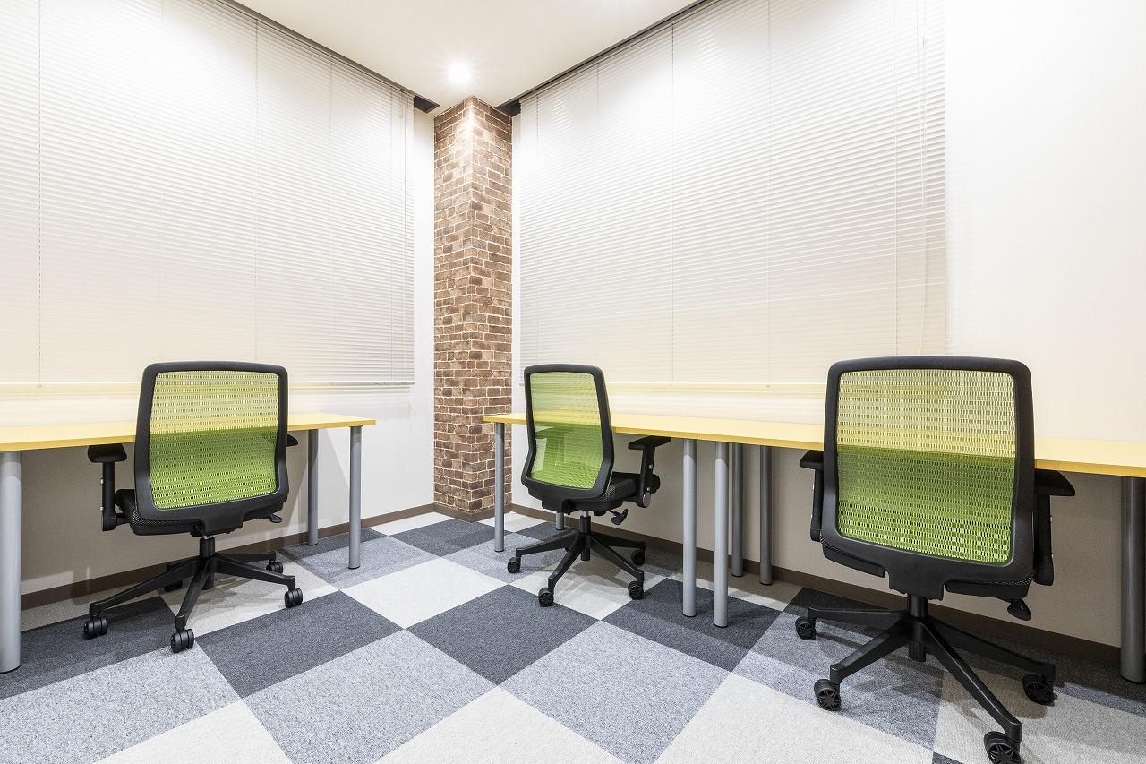 個室のレンタルオフィス