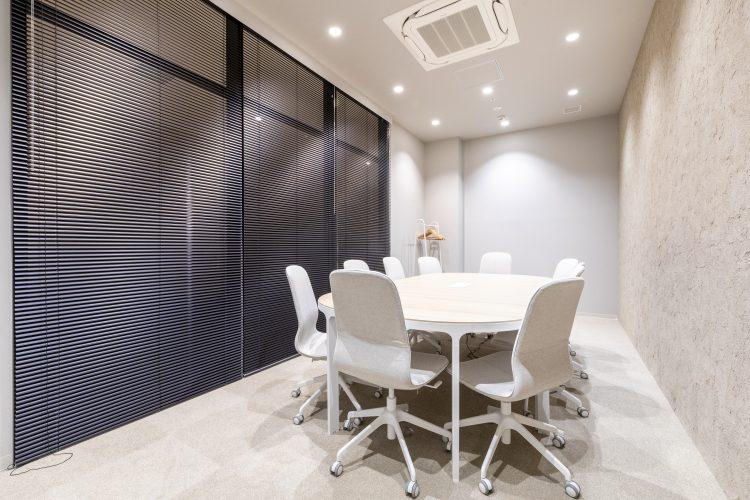 南町田オフィスの10名用会議室