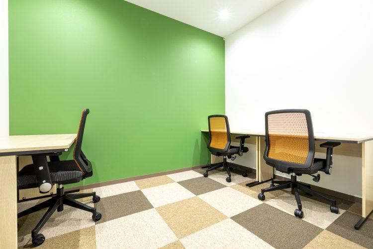 東梅田オフィス 3名部屋