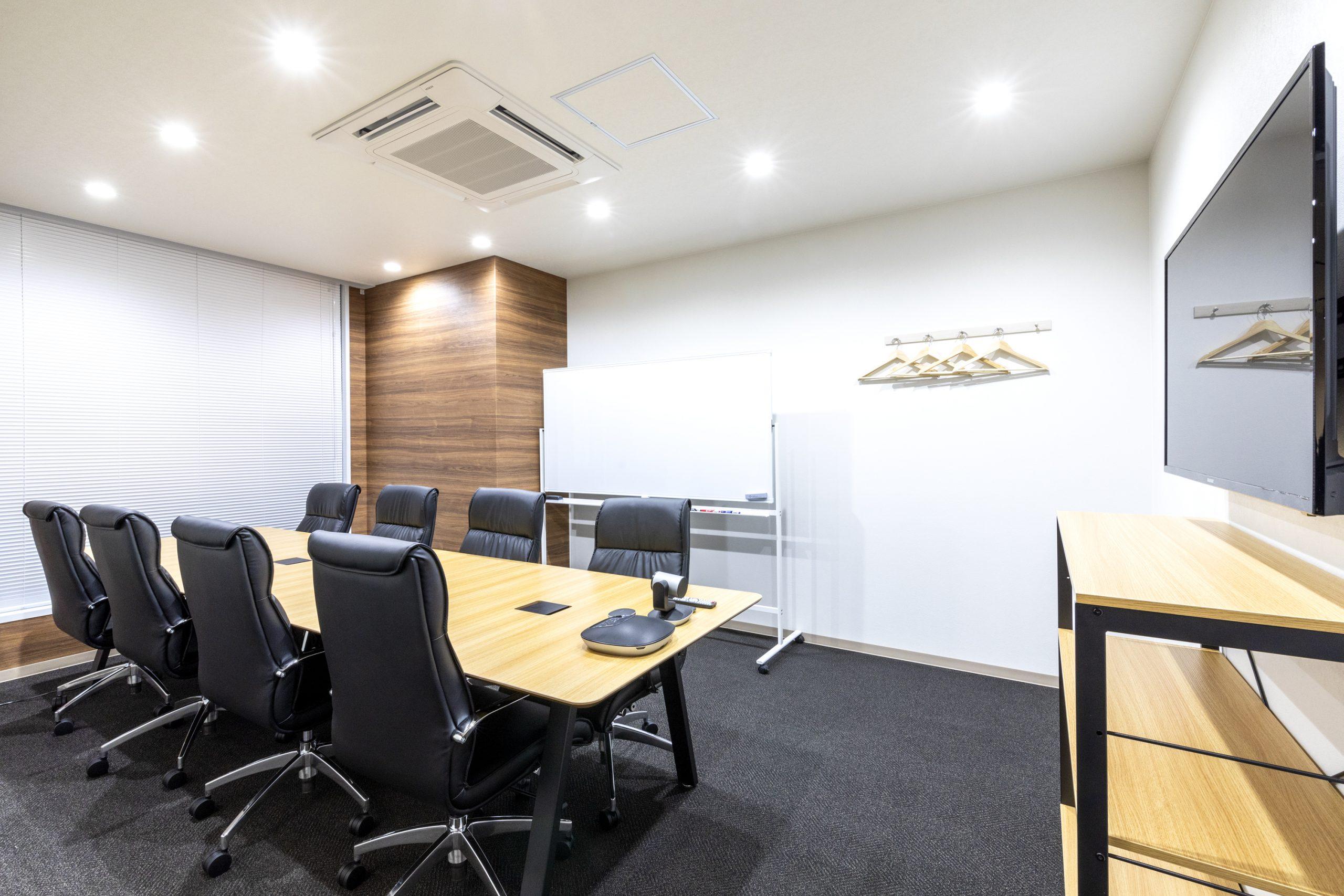 会議室は3室あり予約もWEBから簡単にできます