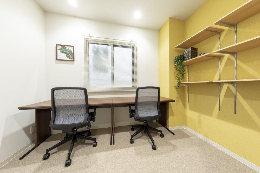 BIZcomfort藤沢のレンタルオフィス③鍵付き完全個室