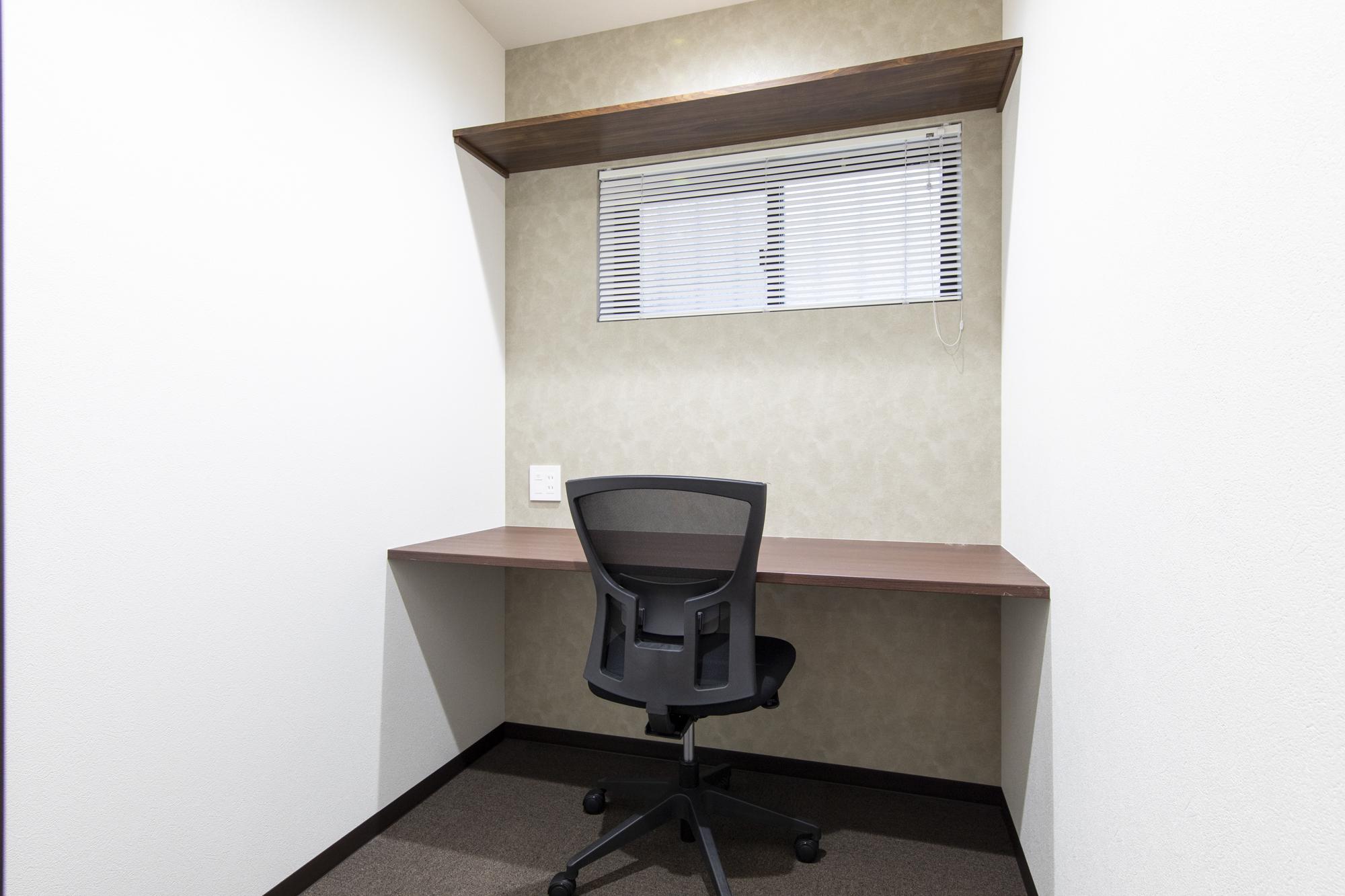 鍵付き完全個室のレンタルオフィス 月額3万円台~